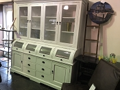 4 Glass Roll Cabinet in White